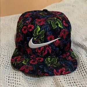 NWOT Nike SnapBack